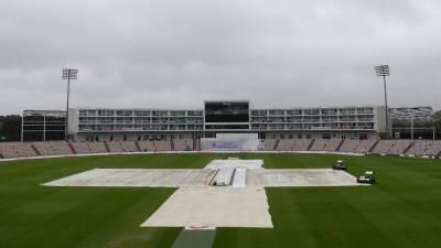 ساؤتھمپٹن: پاکستان اور انگلینڈ کے درمیان تیسرا ٹیسٹ میچ بارش کے باعث تاخیر کا شکار