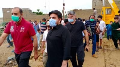 بلاول کی خصوصی ہدایات پر وزیر بلدیات سندھ کا ملیر اور ملحقہ متاثرہ علاقوں کا دورہ