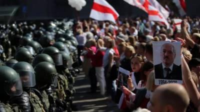 بیلاروس کے انتخابات میں دھاندلی کا الزام، عوام سڑکوں پر نکل آئی
