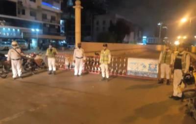 کراچی میں حالیہ بارشیں: کلفٹن کے پی ٹی انڈر پاس عارضی طور پر بند