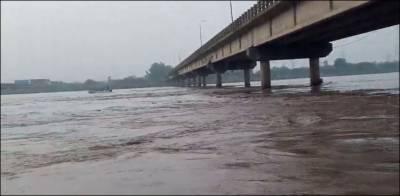 دریائے چناب کی تباہ کاریاں جاری، اطراف کی زرعی زمین دریا برد