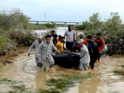 پاک بحریہ کا سندھ کے متاثرہ علاقوں میں امدادی آپریشن جاری