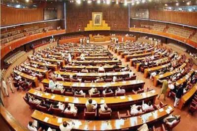 قومی اسمبلی اور سینیٹ کا اجلاس ایک ہفتے کیلئے ملتوی کرنے کا فیصلہ
