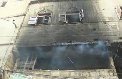 کراچی: ہجرت کالونی میں آتشزدگی، ایک ہی خاندان کے 4 افراد جاں بحق، 4زخمی