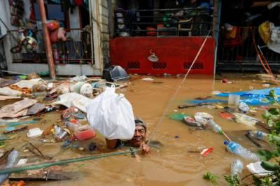 انڈونیشیا : سیلاب سے ہزاروں مکانات زیر آب،5ہزار سے زائد افراد متاثر