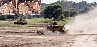 آرمی چیف نے گوجرانوالہ میں براق پیشہ وارانہ جنگی تربیتی کمپلیکس کا افتتاح کردیا