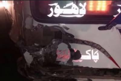عارف والا میں ٹریفک حادثہ، 2 افراد جاں بحق 2زخمی