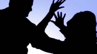 راولپنڈی:ٹیکسی ڈرائیور کا بندوق کے زور پر بیٹے کے سامنے خاتون کا ریپ