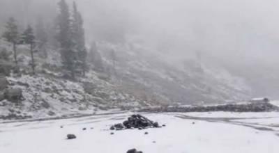 وادی سوات میں موسم سرما کی پہلی برفباری شروع