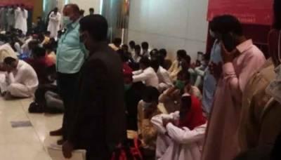 سفارتی کوششیں ناکام:دبئی میں پھنسے سینکڑوں پاکستانیوں کو واپس بھیجنے کا عمل شروع