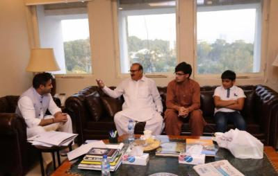 وزیر اعظم کے معاون خصوصی زلفی بخاری نے یورپ پاکستان بزنس فورم کے چئیرمین ظفر تارڑ اور حماد تارڑ سے ملاقات کی