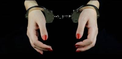 کراچی : رکشے چھیننے والے منشیات فروش میاں بیوی رنگے ہاتھوں گرفتار
