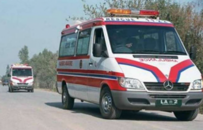 چیچہ وطنی میں دو بسوں میں تصادم،2 خواتین سمیت 13 افراد زخمی