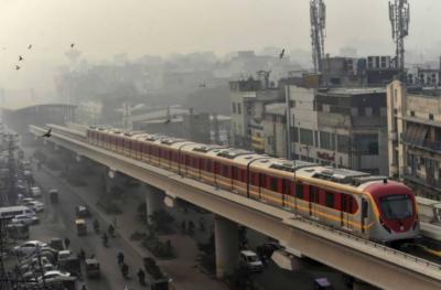 لاہور: انتظار کی گھڑیاں ختم،اورنج لائن میٹرو ٹرین کو عوام کیلئے کھول دیا گیا