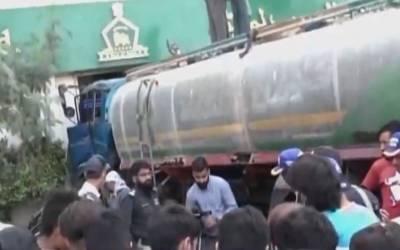 کراچی: بے قابو ٹینکر بینک میں گھس گیا، ایک شخص جاں بحق،4زخمی