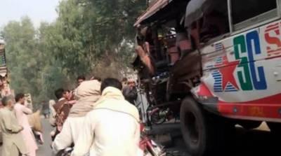 پنڈی بھٹیاں: بس اور ٹریکٹر میں تصادم، 10 افراد جاں بحق، 30زخمی