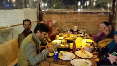 حکومت پنجاب نےکورونا وائرس سے بچاؤ کے لیے ہوٹلوں، ریسٹورینٹس اور کیفے کے اندرکھانا کھانے پر پابندی عائد کر دی