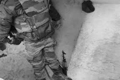 مقبوضہ کشمیر میں دو فوجیوں نے خود کشی کر لی