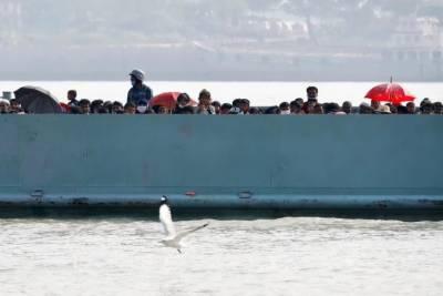 بنگلہ دیش: روہنگیا مہاجرین کی جزیرے پر منتقلی شروع
