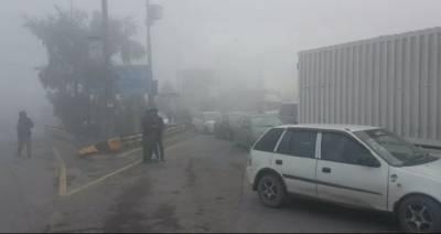 پنجاب کے مختلف علاقوں میں شدید دھند، حد نگاہ 50 میٹر رہ گئی
