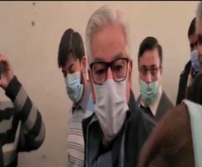 احتساب عدالت نے خواجہ آصف کا ایک روزہ راہداری ریمانڈ منظور کرلیا