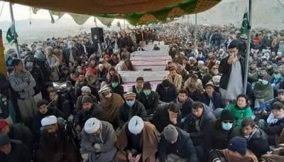 سانحہ مچھ: کوئٹہ میں ہزارہ برادری کا میتوں کے ساتھ دھرنا پانچویں روز میں داخل