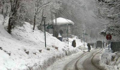 ملک کے بیشتر علاقوں میں موسم سرد اور خشک ، بالائی علاقوں میں بارش اورپہاڑوں پر برفباری کا امکان