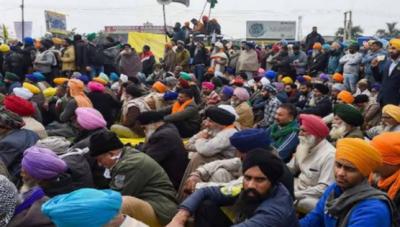 بھارتی سپریم کورٹ کی زرعی شعبے کیلئے متنازعہ قوانین کے خلاف کسانوں کے احتجاج پر تعطل ختم کرنے میں ناکامی پر حکومت پر نکتہ چینی