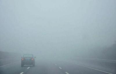 پنجاب کےمختلف علاقوں میں شدید دھند، فلائٹ آپریشن متاثر،موٹروے بند