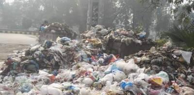 لاہور میں کچرے کے ڈھیر، شہریوں کا انوکھا احتجاج