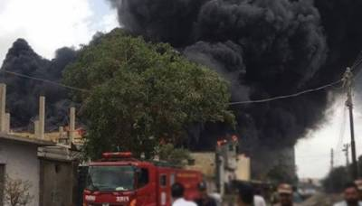 نیو کراچی گتہ فیکٹری میں آتشزدگی، قریبی فیکٹریاں بھی متاثر