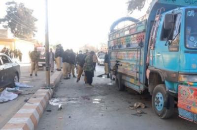 کوئٹہ: ڈی سی آفس کے قریب بم دھماکا، 2 افراد جاں بحق, متعدد زخمی