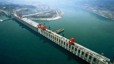 چین کا ہمالیہ کے دامن میں بھارتی سرحد سے محض 30 کلو میٹر دور دنیا کا سب سے بڑا پن بجلی ڈیم