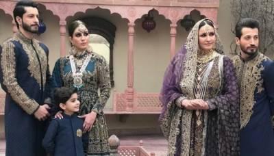 سعدیہ فیصل کا اپنی اور والدہ کے فوٹو شوٹ پر تنقید کرنے والوں کو کرارا جواب