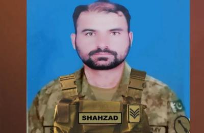سیکیورٹی فورسز کاسرچ آپریشن; مطلوب کمانڈر سمیت 2 دہشتگرد ہلاک, فائرنگ کے تبادلے میں حوالدار شہزاد رضا شہید