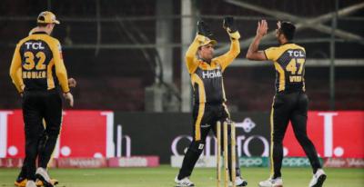 پی ایس ایل6: پشاور زلمی نے اسلام آباد یونائیٹڈ کو 6 وکٹوں سے شکست دے دی