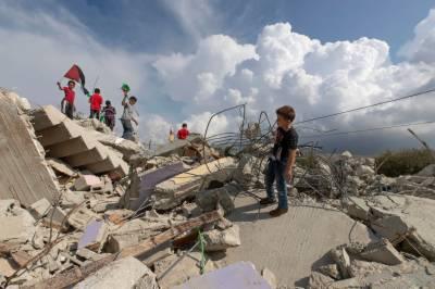اسرائیلی دہشت گردی:فلسطینیوں کے تین مکانات مسمار