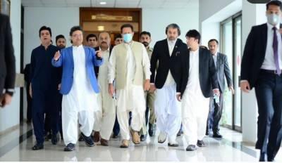 وزیر اعظم جیت کے لیے پر اعتماد :- قومی اسمبلی کا اجلاس جاری