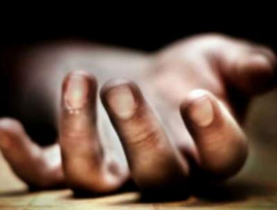 غیرت کے نام پر باپ نے کلہاڑی کا وار کر کے بیٹی کا سر کاٹ دیا