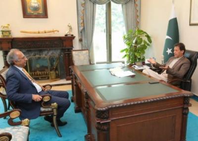 وزیراعظم سے ملاقات کے بعد حفیظ شیخ کا وزارت سے استعفیٰ نہ دینے کا فیصلہ