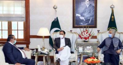 وزیراعلیٰ عثمان بزدار سے ڈیرہ غازی خان چیمبر آف کامرس اینڈ انڈسٹری کے صدر صنعتکار خواجہ جلال الدین رومی کی ملاقات