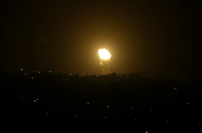 اسرائیلی طیاروں کی غزہ میں بمباری