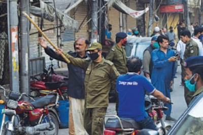 کورونا ایس او پیز کی خلاف ورزیوں پر لاہور میں کئی دکانیں سیل ، مقدمات درج