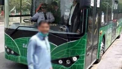 کراچی میں الیکٹرک بسیں چلنا شروع ہوگئیں