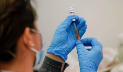 برطانیہ : ایسٹرا زینیکا ویکسین لگوانے کے بعد خون جمنے سے 7 افراد ہلاک
