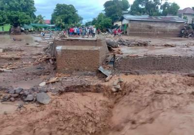انڈونیشیا میں سیلاب نے تباہی مچادی