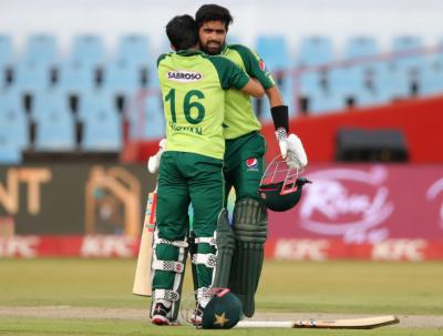 پاکستان نے جنوبی افریقا کو 9 وکٹوں سے شکست دیدی, بابر کی شاندار سنچری