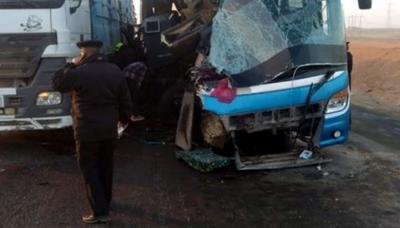 مصر:مسافر بس اور ٹرک میں تصادم20افراد ہلاک،3زخمی