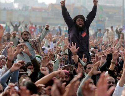 وفاقی حکومت نے تحریک لبیک پاکستان کوکالعدم قرار دےدیا، پابندی لگا دی ، نوٹیفکیشن جاری