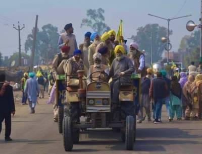 متنازع قوانین کیخلاف بھارتی کسانوں کی ریلیاں، 70 مظاہرین گرفتار